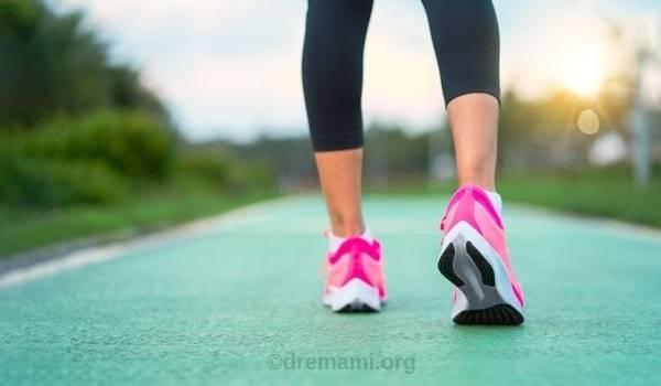 پیاده روی برای درمان نفخ بعد از لاپاراسکوپی